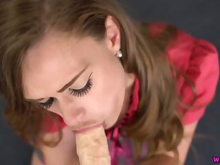 Blue eyed hoe Honour May gives a blowjob and gets her muff nailed