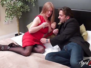 Mature chubby nympho Lily May loves getting mature pussy fucked mish