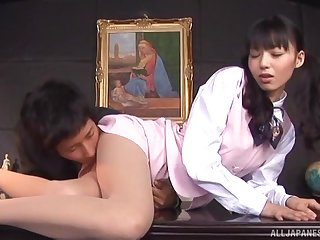 Quickie fucking on the office table with clothed Aino Kishi