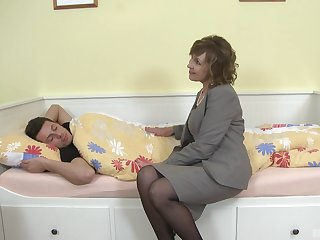 Auntie needs the young boy's hard cock to ram her pussy