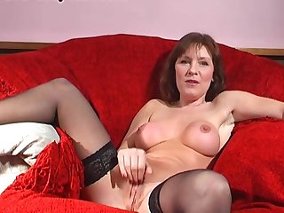Wendy Taylor makes herself cum while poking her pussy with a dildo