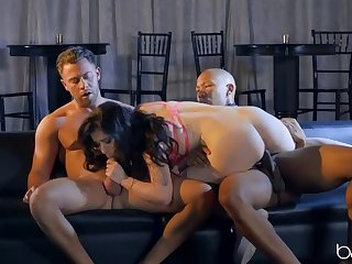 2 Hunks IR Threesome the Glamorous Evelyn Claire